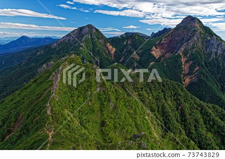 從八嶽山脈和弓endake看赤岳,ake岳和立正 73743829