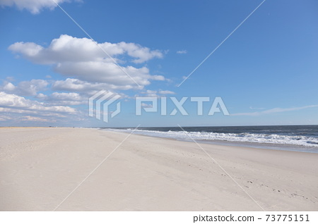Beaches on the east coast of the United States 73775151
