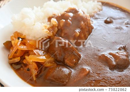 Fukujinzuke and curry rice 73822862