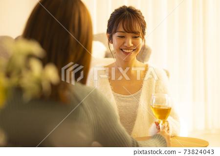 在家喝酒,在家喝酒,白葡萄酒 73824043