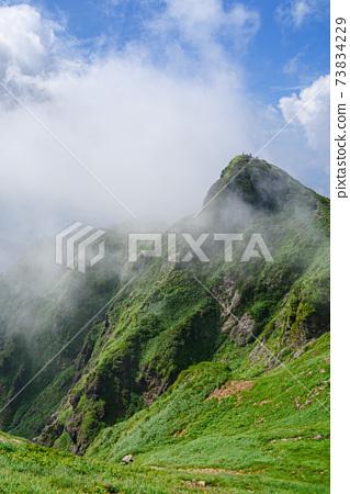 仲夏Tanigawadake Toma的耳朵和即將到來的霧 73834229