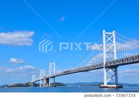 坂出市區的瀨戶大橋 73867158