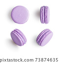 Set of violet french macarons 73874635