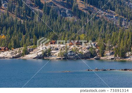 Sunny view of the beautiful landscape around Echo Lake 73891314