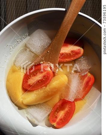蜜餞黃桃,黃桃,櫻桃番茄,冰 73896195