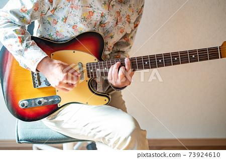 자숙 삶 오랜만의 기타 연주 73924610