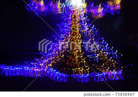 Fluctuating illuminations 73930407