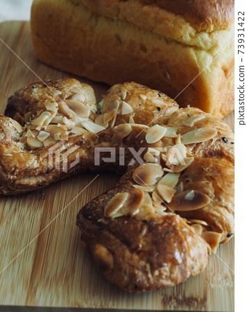 糕點和麵包,早餐 73931422