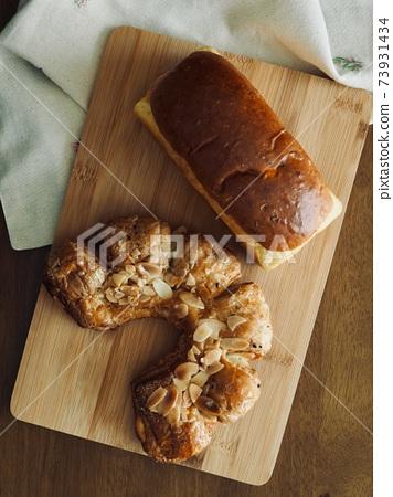 糕點和麵包,早餐 73931434