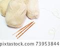 毛線球和鉤針正版照片 73953844