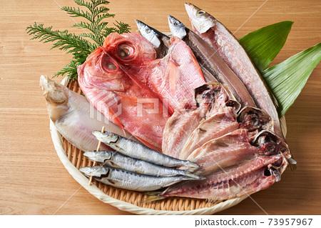 什錦乾魚 73957967