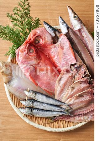 什錦乾魚 73957968