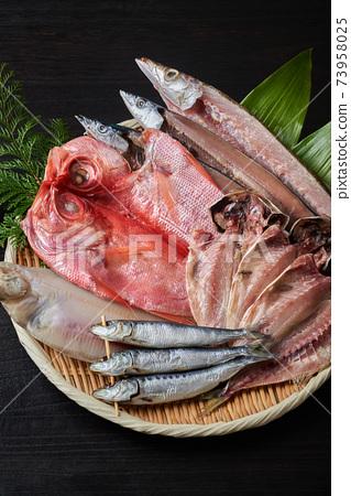 什錦乾魚 73958025