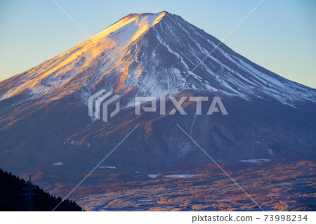 前三坂Pass口富士山日出 73998234