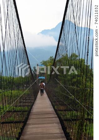吊橋 74011032