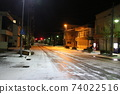 在下雪的夜晚的坂町站前廣場街道(新潟縣村上市坂町) 74022516