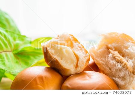 奶油麵包和花生醬麵包 74038075