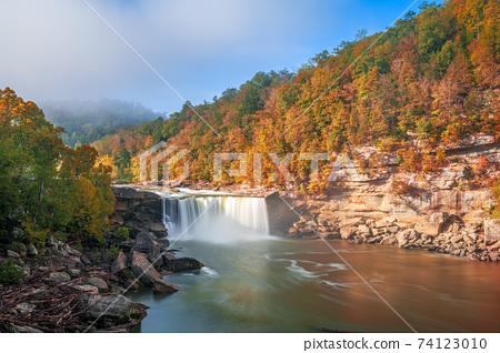umberland Falls State Resort Park, Kentucky, USA 74123010