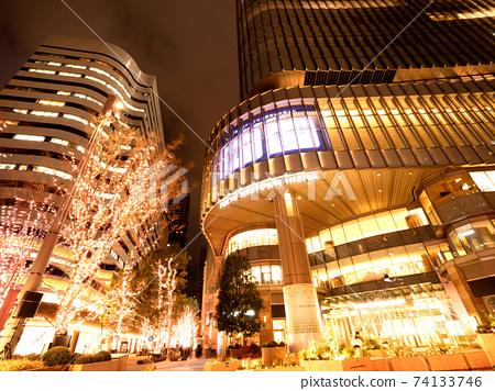 Tokyo Midtown Hibiya at dusk 74133746
