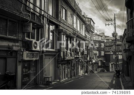 海邦村的舊購物區 74139895