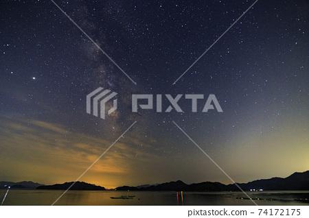 세토 우치 봄의 밤하늘 島陰에 흐르는 은하수 74172175