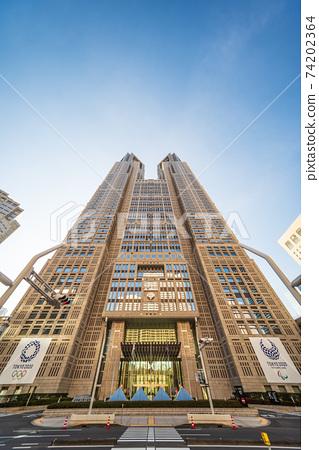 東京都政府大樓,藍天 74202364