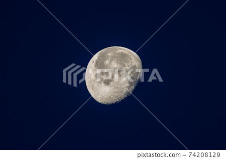 Moon / MOON 74208129