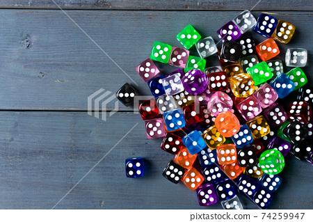 多彩的骰子 74259947