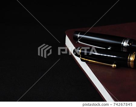 鋼筆和筆記本 74267845