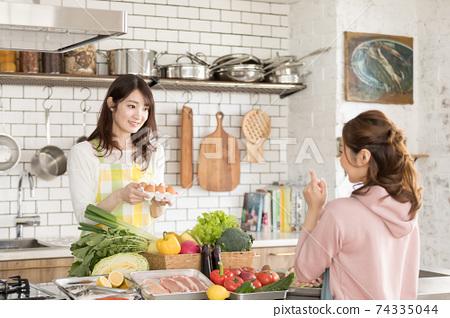 家庭時間烹飪 74335044