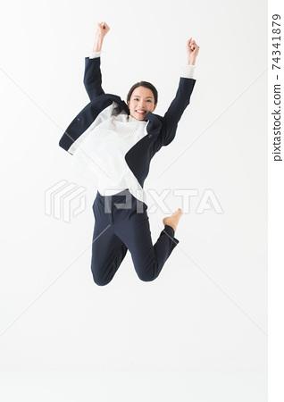 20多歲的女性跳車生意 74341879
