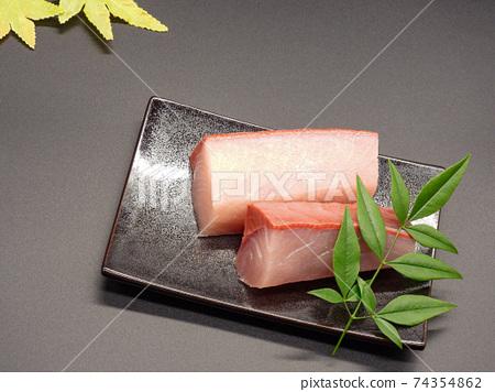 Yellowtail sashimi fence 3 74354862