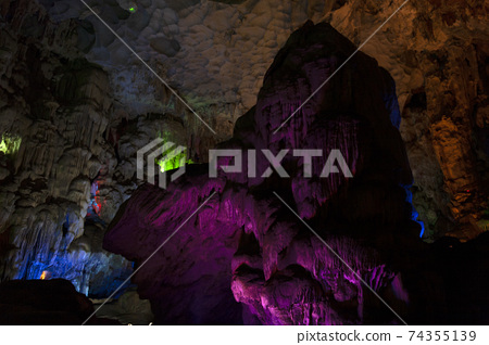 Hang Sung Sot Grotto (Cave of Surprises), Halong Bay, 74355139