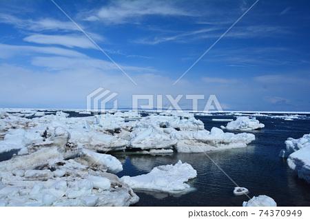浮冰 74370949