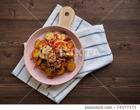 한국의 음식 오이 야채무침, 오이 채소샐러드  74377175