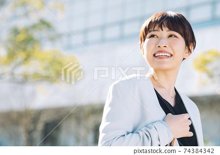 미소의 비즈니스 우먼 74384342