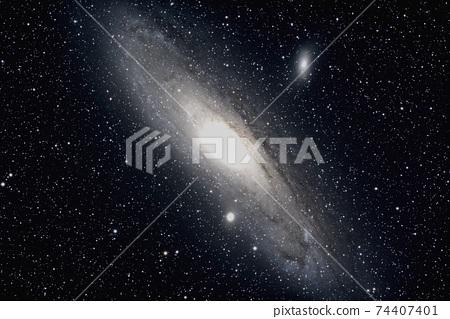 仙女座星系 74407401