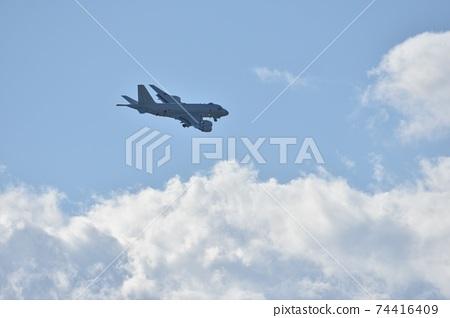 海上自衛隊P-1巡邏機在天上飛 74416409