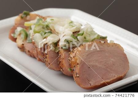 鴨肉熏牛肉 74421776