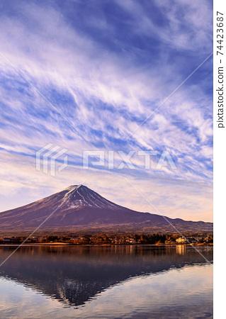 晴朗的冬日和顛倒的富士山(Red Fuji) 74423687
