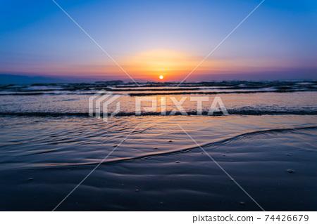 在母親海灘的日落 74426679