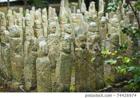 Gohyaku Rakanji寺的石佛 74426974