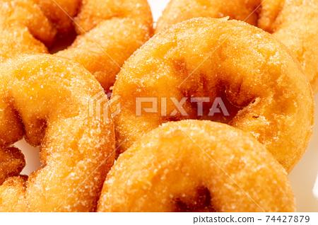 甜甜圈(環甜甜圈)。 74427879