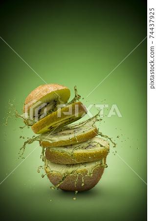 Kiwi fruit splash 74437925