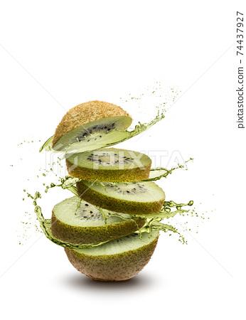 Kiwi fruit splash 74437927
