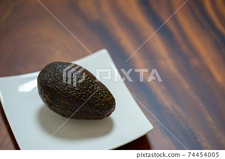 Avocado 74454005