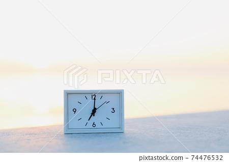 새벽의 시계 74476532