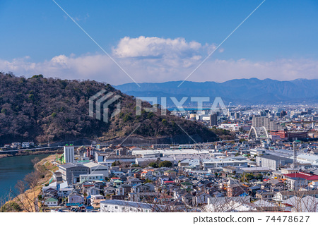 (시즈오카 현) 本城山 공원에서 바라 보는 시미즈 쵸 상가와 후지산 74478627