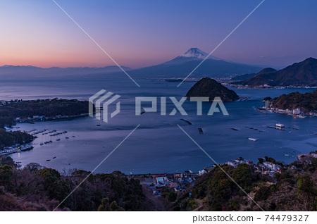 (靜岡縣)伊豆內浦灣的富士山夜景 74479327