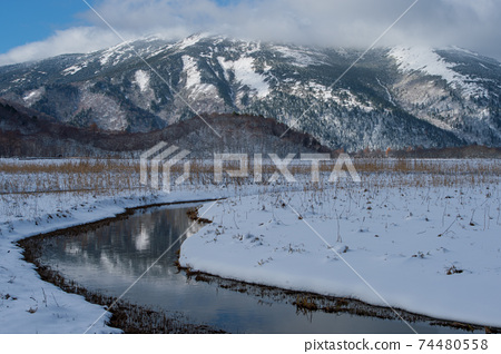 Ozegahara冬季準備Shibutsu山在前面 74480558
